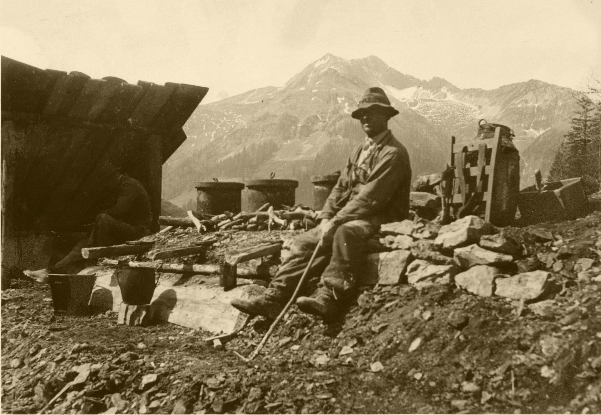 1910 002