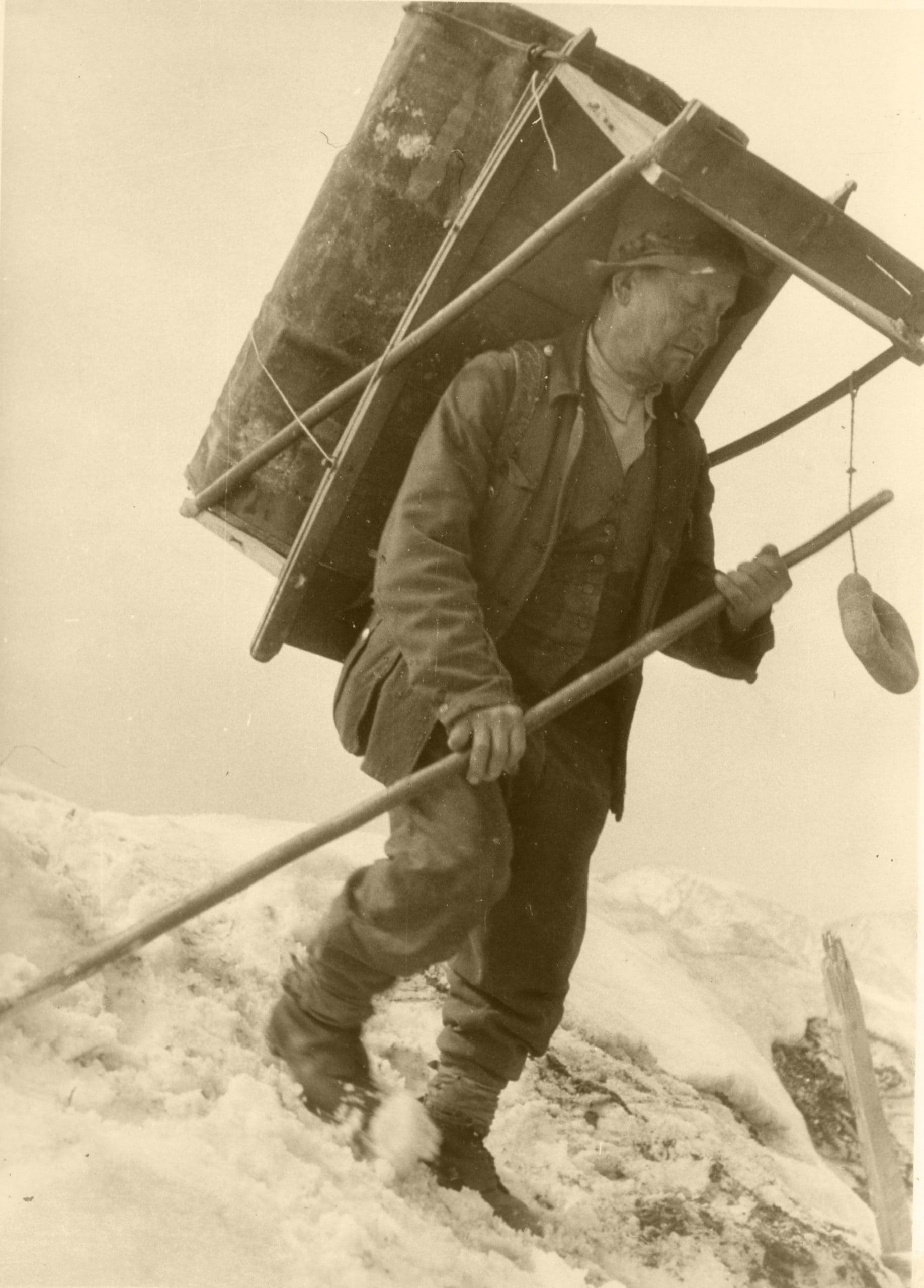 1935 002 scaled