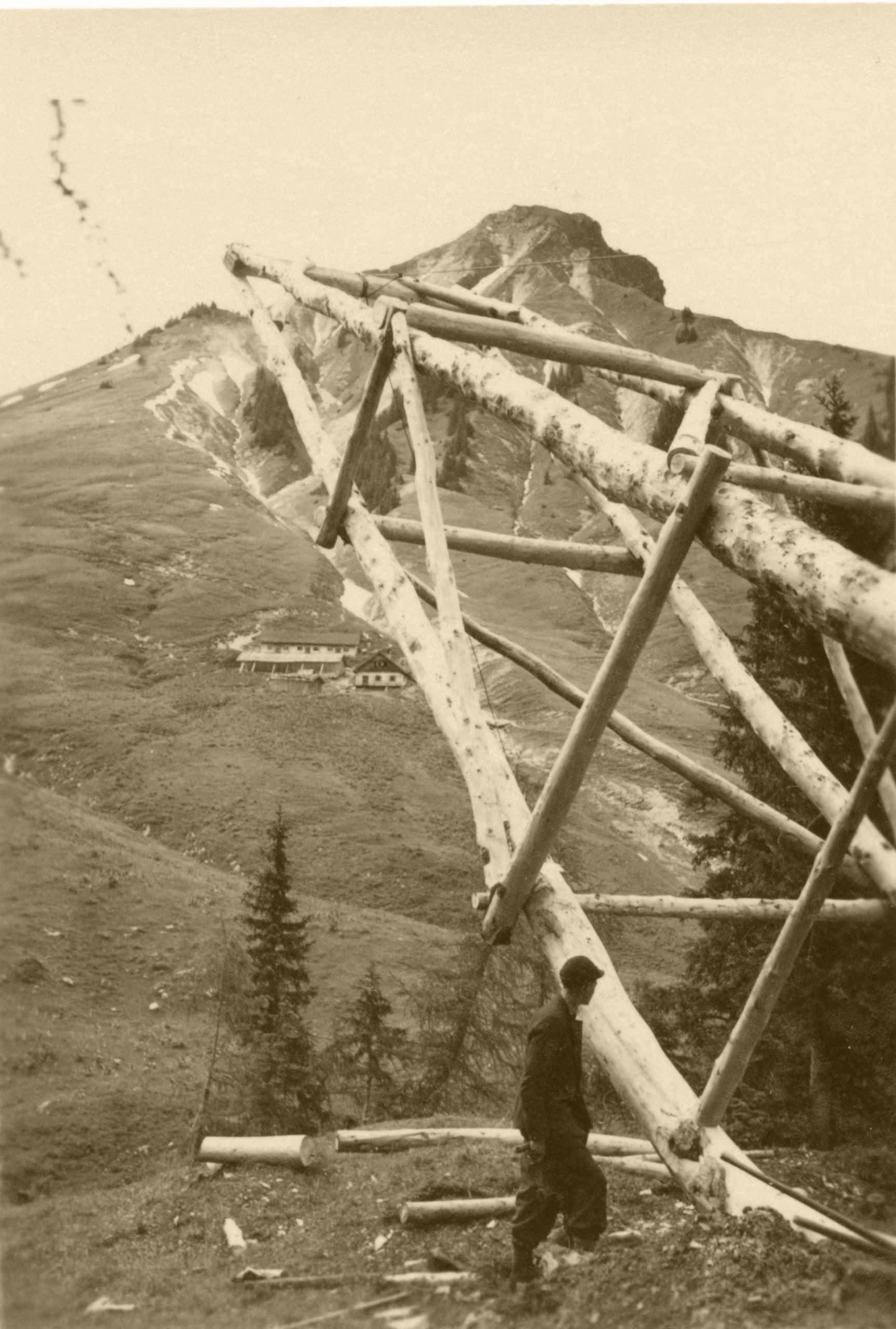 1946 002 scaled